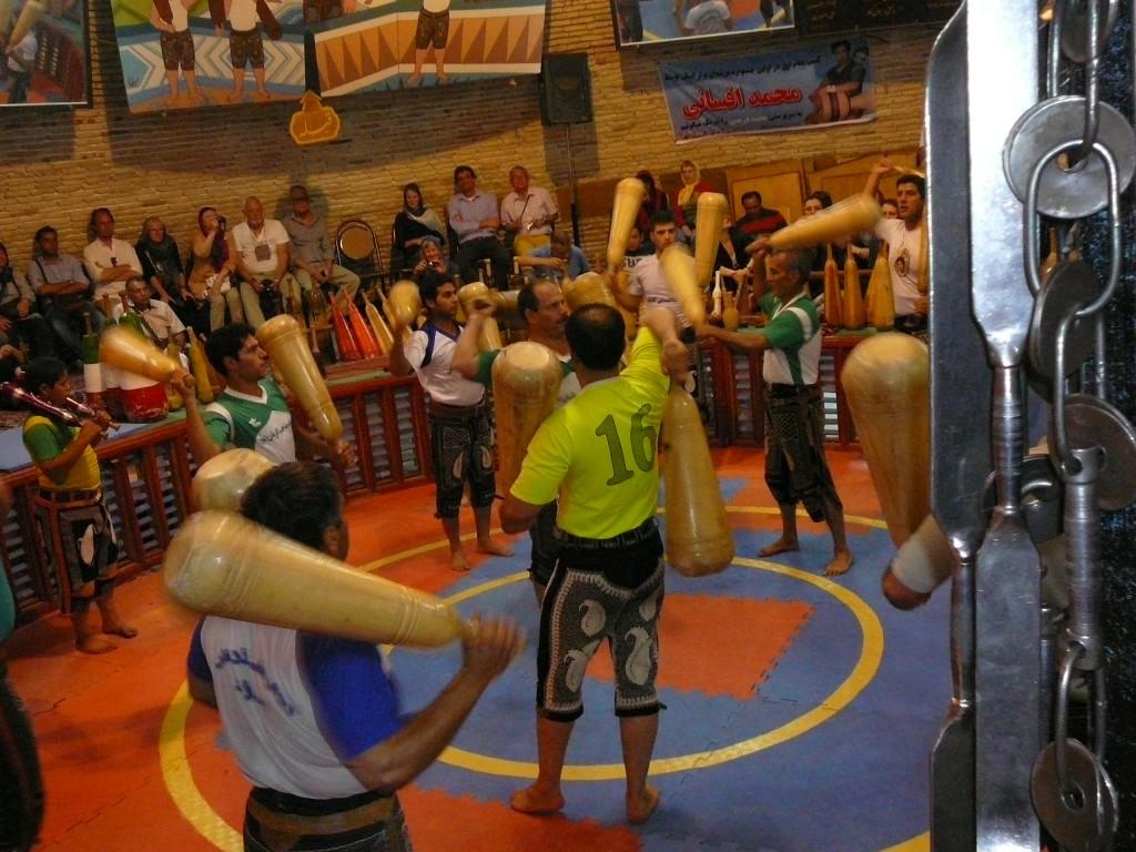 iranluxurytravel.com Zurhane-Bodybuilders
