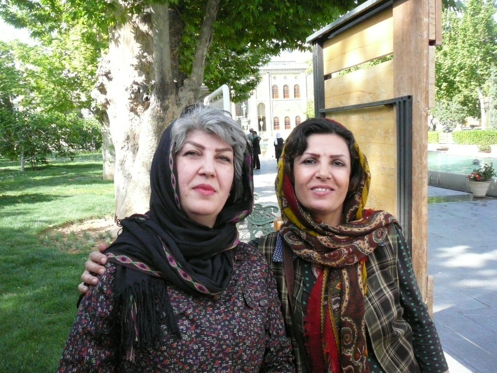 Iran Travelogue - What Women Wear in Iran