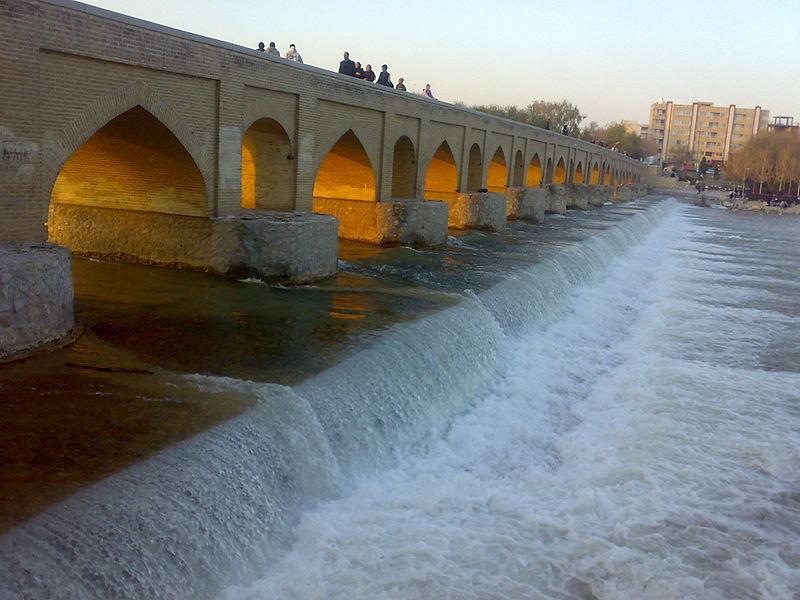 800px-Marnaan_Bridge_Isfahan